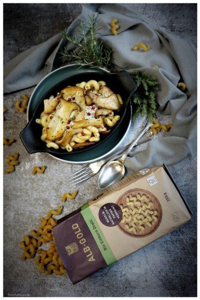 ALB GOLD Bio Einkorn Drelli mit Kräuterseitlingen und Cashewsahnesoße
