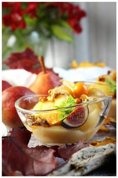 Apfelgrießdessert mit Birne