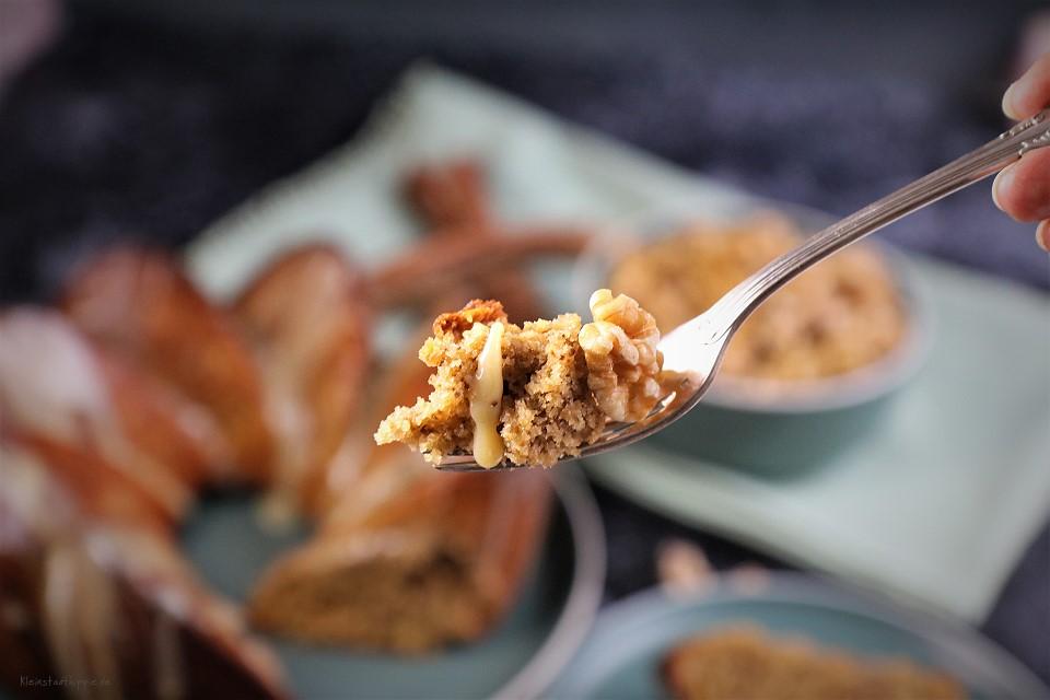 Veganer Kuchen mit Walnüssen und Birnen