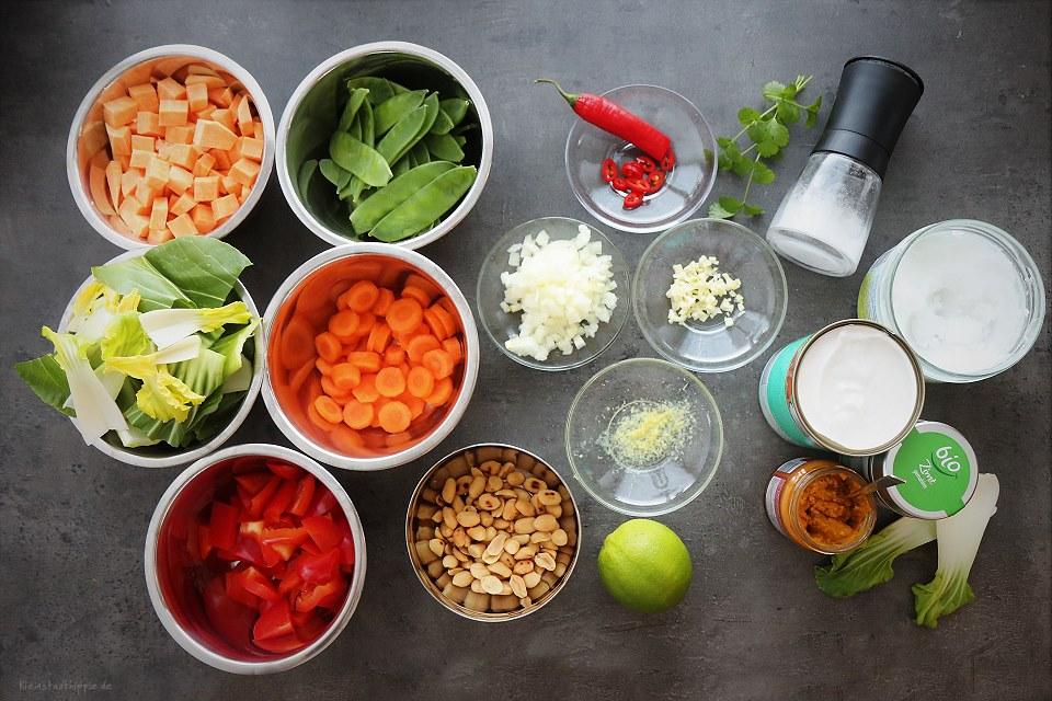 Zutaten für ein gelbes Thai Curry