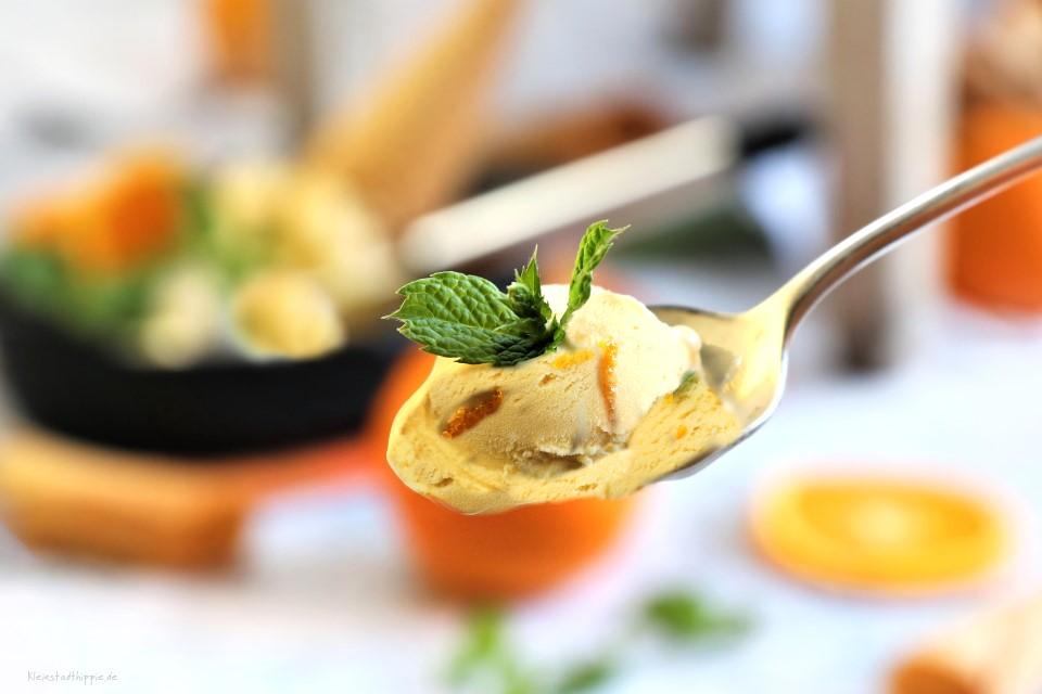 Rezept für herrlich, cremiges veganes Orangen-Karamell-Eis mit Bräzeli